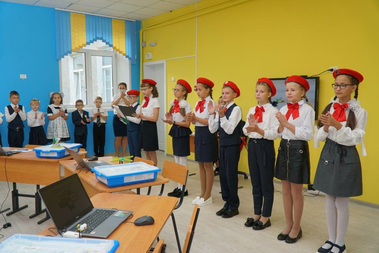🎉Сегодня в школе № 36 торжественно открыли класс робототехники.